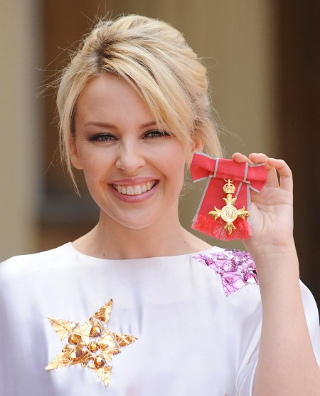 Sounds of Oz » Our Kylie Gets OBE